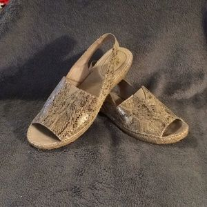 Cliffs by White Mountain Ladies Sling Back Sandals